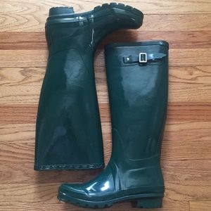 Shoes - Green rubber boots